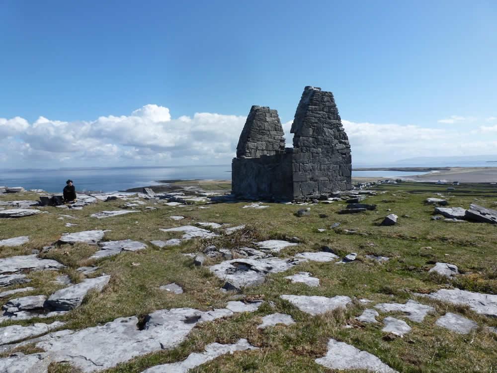 Tempel Bennan, Inis Mór